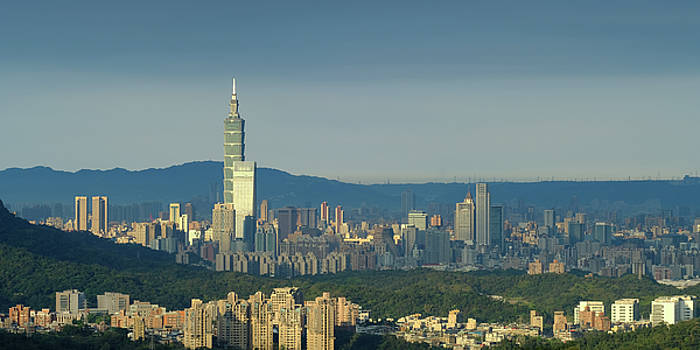 Taipei City Skyline by Yusheng Hsu
