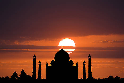 Taj Mahal Sunset by Nila Newsom