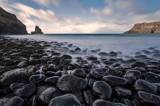 Talisker Bay, Isle of Skye by Derek Beattie