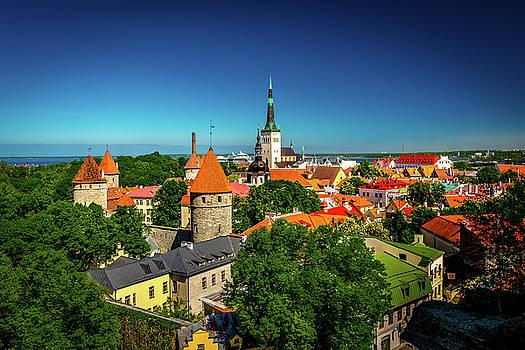 Tallinn by Andrew Matwijec