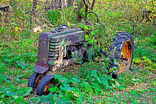 Robert Meyers-Lussier - Tangled Tractor
