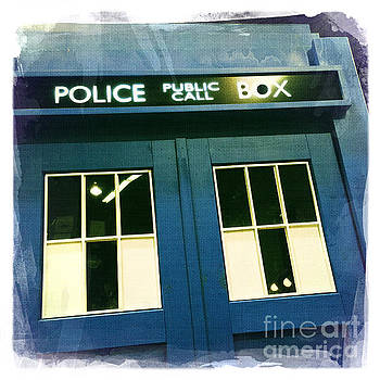 Tardis Dr Who by Nina Prommer