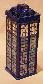 Robin Miklatek - TARDIS