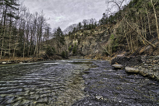 Taughannock creek by Steven Wilson