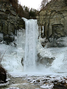 Taughannock Falls by Azthet Photography