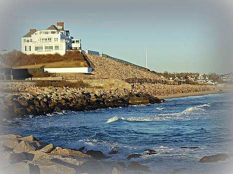 Taylor Swift Rhode Island Home by Diane Valliere