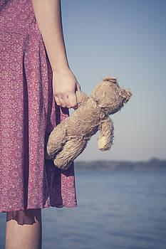 Teddy Bear by Maria Heyens