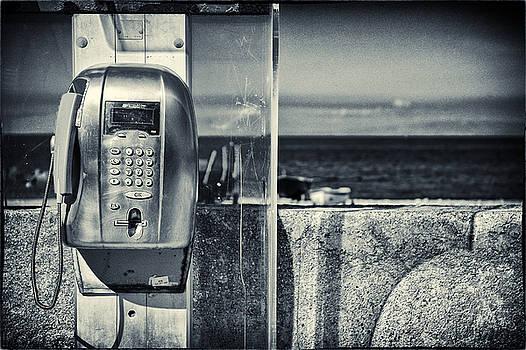 Silvia Ganora - Telephone by the sea