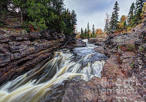 Temperance River State Park by Wayne Moran