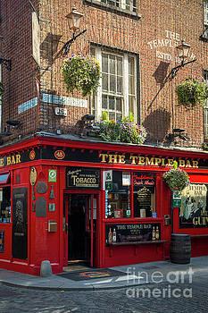 Brian Jannsen - Temple Bar - Dublin Ireland