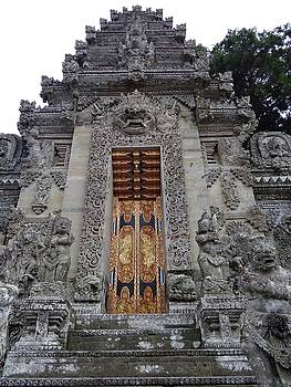 Temple Gates by Exploramum Exploramum
