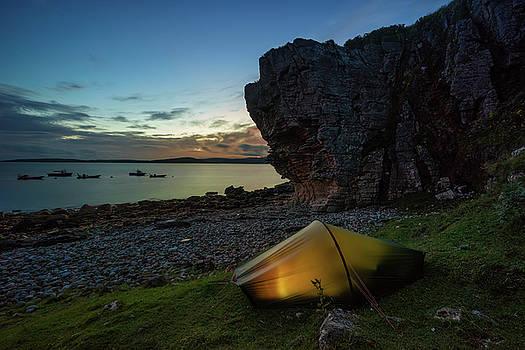Tent in Elgol by Swen Stroop