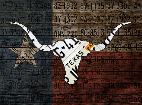 Design Turnpike - Texas Longhorn Recycled Vintage License Plate Art on Lone Star State Flag Wood Background