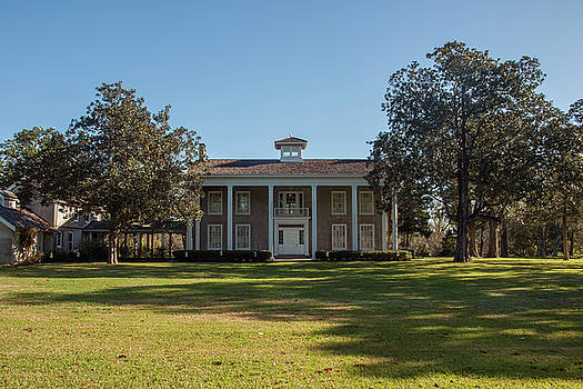 Texas Plantation House by Joshua House