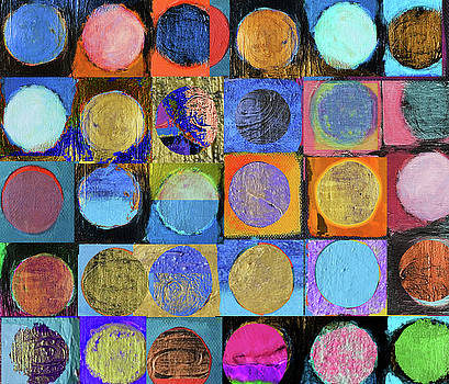 Textured circles 1 by Stephen Humphries