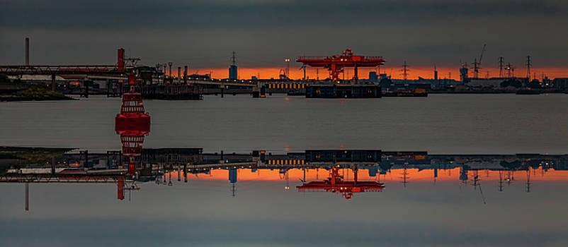 Thames Inverted by Nigel Jones