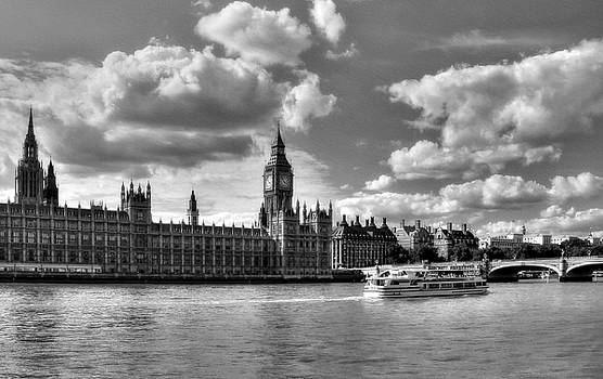Mel Steinhauer - Thames River In London 2 BW