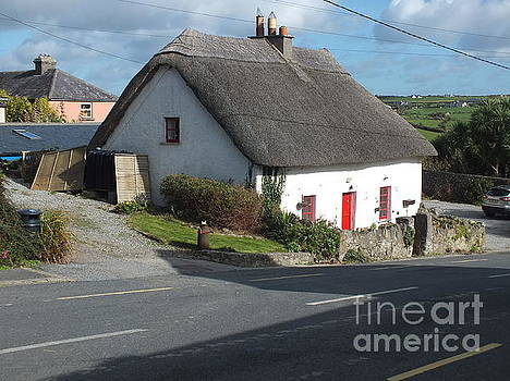 Val Byrne - Thatched in Annestown  on the Copper Coast