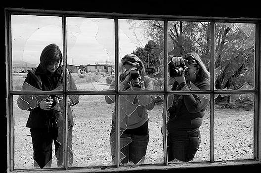 The 3 Photographers by Ralph Vazquez