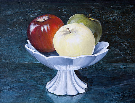 The apple dish by Dinny Madill