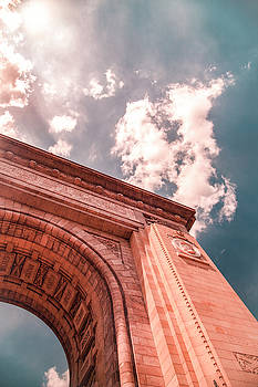 The Arch by Chris Thodd
