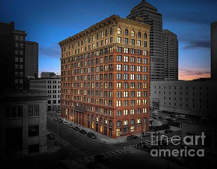 The Atlas Building Columbus Ohio by Brian Mollenkopf
