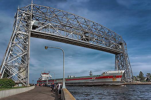Susan Rissi Tregoning - The Beatrix Entering Duluth Harbor