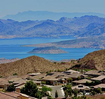 The Beautiful Lake Mead by Lorna Maza