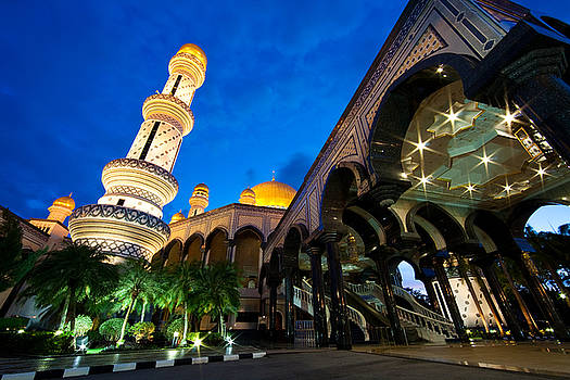 The Beauty of Masjid Jame Asri Hassanal  by Ibrahim  Aziz