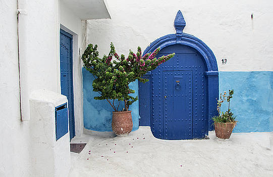 Venetia Featherstone-Witty - The Blue Door Casablanca Morocco