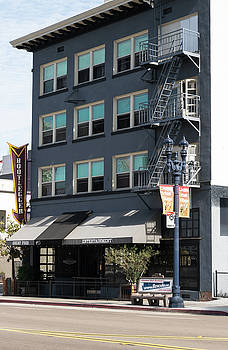 Robert VanDerWal - The Bootlegger Bar and Grill