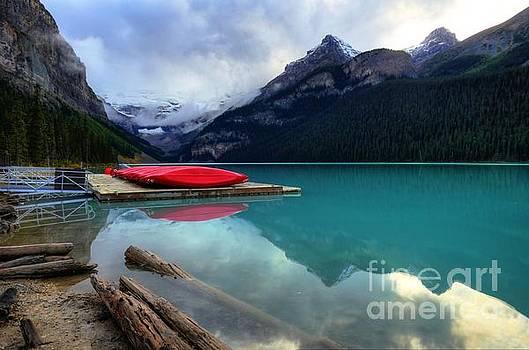 Wayne Moran - The Breathtakingly Beautiful Lake Louise IV