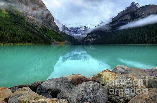 Wayne Moran - The Breathtakingly Beautiful Lake Louise VII