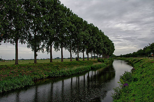 The canal by Ingrid Dendievel