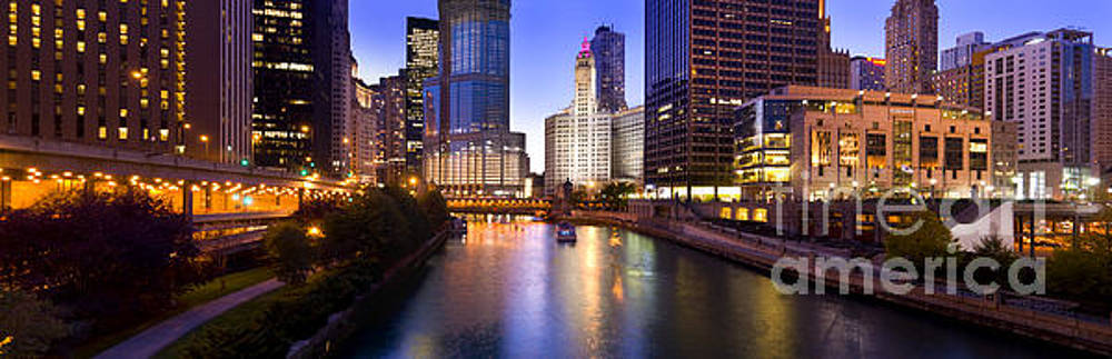 The Chicago river at night by Justin Foulkes
