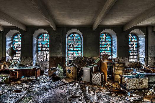 Enrico Pelos - THE CHURCH - LA CHIESA