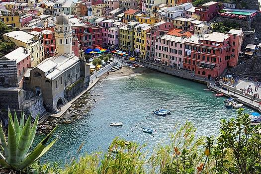The Colors of Vernazza by Brad Scott