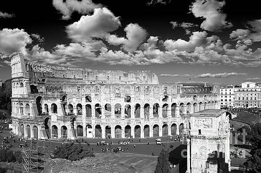 The Colosseum black and white - Rome by Stefano Senise