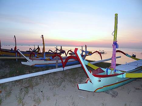 The Colours Of The Beach by Exploramum Exploramum