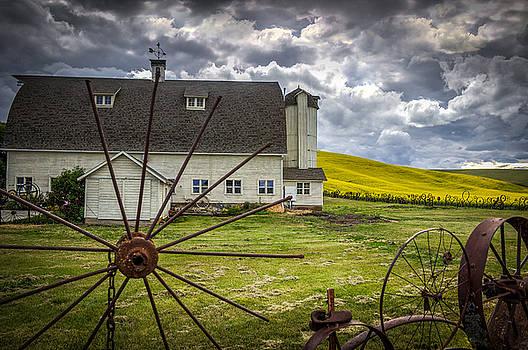 The Dahmen Barn by Brad Stinson