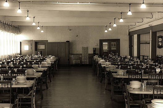 The dining hall at Star island. by Ken Kartes