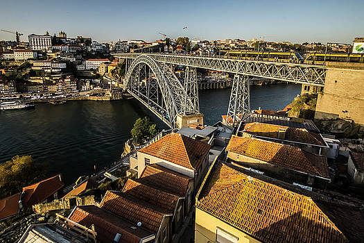 The Dom Luis bridge at sunset  by Sven Brogren