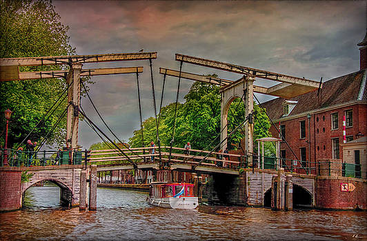 The Draw Bridge by Hanny Heim