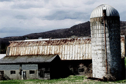 The Farm Barn by Leonard Rosenfield