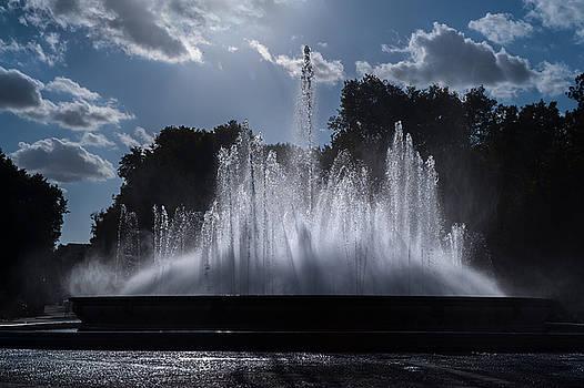 Jenny Rainbow - The Fountain. Plaza de Espana. Seville