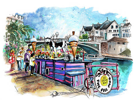 The Full Moo In York by Miki De Goodaboom