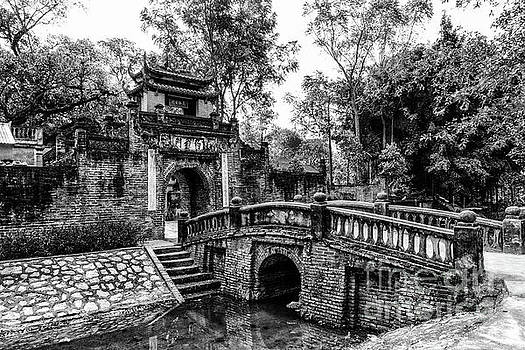 The Gate of Uoc Le Village by Peter Dang