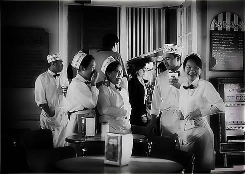 Cafe du Monde by J Durr Wise