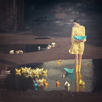 The Girl With Paper Ships  by Anka Zhuravleva
