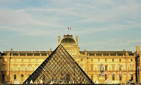 The Golden Louvre by Suzette Kallen